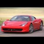 Au volant d'une Ferrari